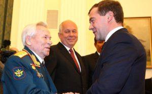 Mikhail Kalashnikov on the left