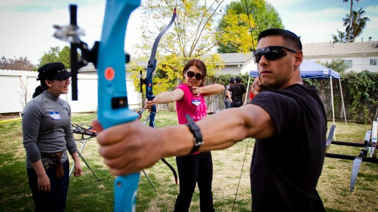 How to Choose the Right Recurve Bow for Hunting Deer?